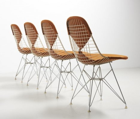 Set of 4 early DKR dining bikini chairs by Eames