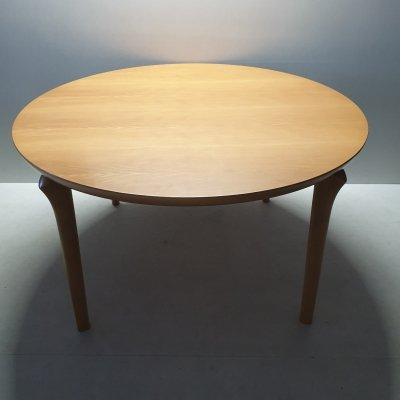 Beech wood round dining table by Cassina, 1990s