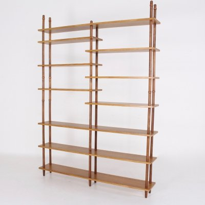 Modulable minimalist claustra book shelf by Willem Lutjens