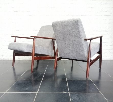 Set of 2 Scandinavian arm chairs