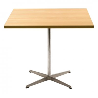Shaker Table by Arne Jacobsen for Fritz Hansen