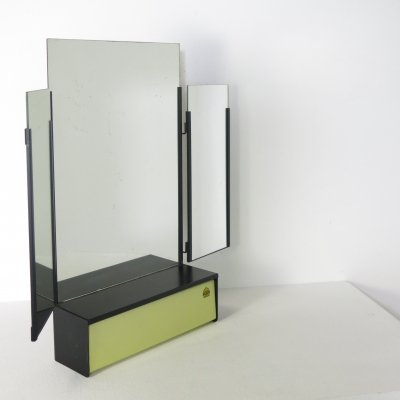 Brabantia foldable mirror with comb-rest