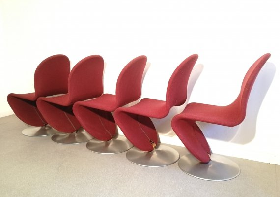 Set of five 'model 1-2-3' swivel dining chairs by Verner Panton