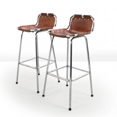 Pair of French Les Arcs bar stools in brown saddle leather selected by Charlotte Perriand