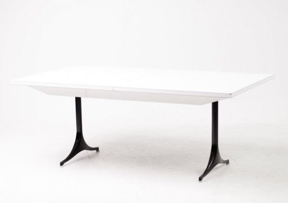 Large extendable F66 pedestal table by George Nelson for Herman Miller