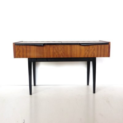 Vintage dresser / sidetable with black handles, 1960s