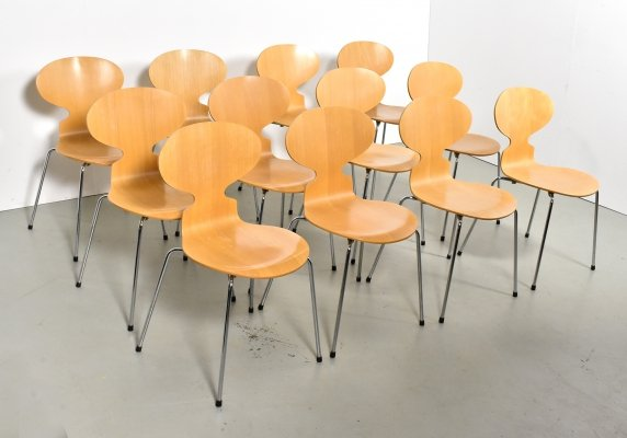 Set of 12 3100 Ant dining chairs by Arne Jacobsen for Fritz Hansen, 1990s