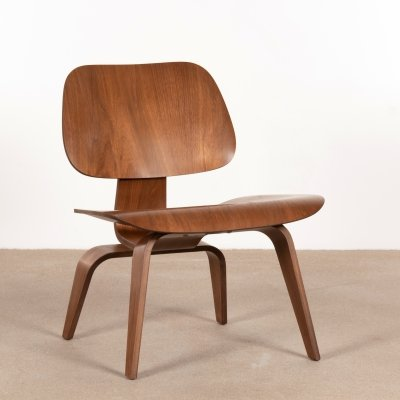 Early LCW chair in Walnut by Charles & Ray Eames for Herman Miller, 1954