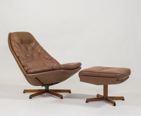 Vintage 'model MS68' armchair with ottoman by Madsen & Schubell