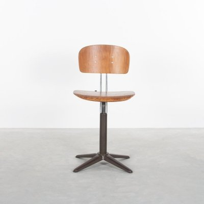 Industrial work chair by Ahrend de Cirkel