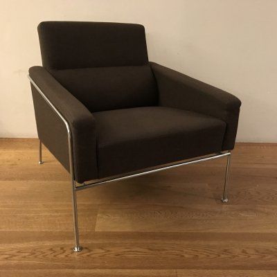 2 x Series 3300 lounge chair by Arne Jacobsen for Fritz Hansen, 1990s