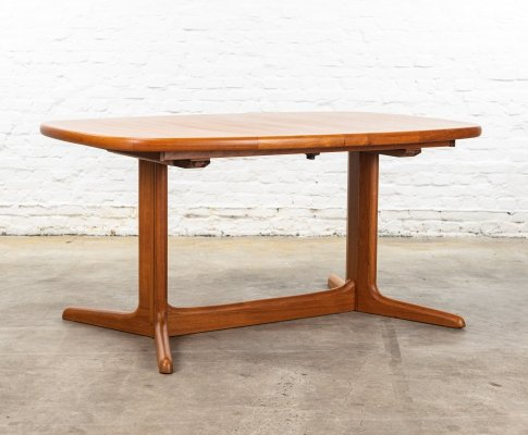 Rasmus Solberg Cabinetmakers dining table, 1960s