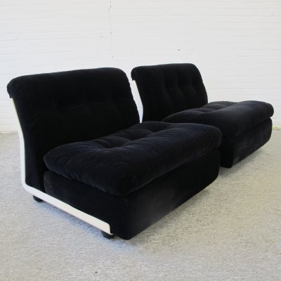 Pair of Mario Bellini modular Amanta lounge chairs for C & B Italia, 1960s