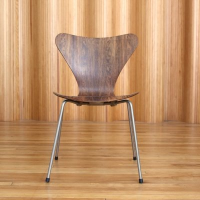 Arne Jacobsen rosewood model 3107 chair by Fritz Hansen Denmark