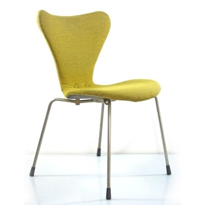 Early version series 7 chair by Arne Jacobsen for Fritz Hansen