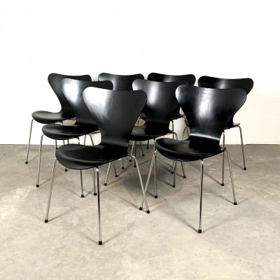 Set of 8 3107 Butterfly Chairs by Arne Jacobsen for Fritz Hansen, 1960s
