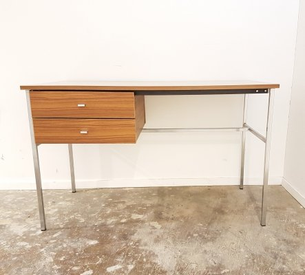 Vintage desk 'Etudiant' by Pierre Guariche for Meurop