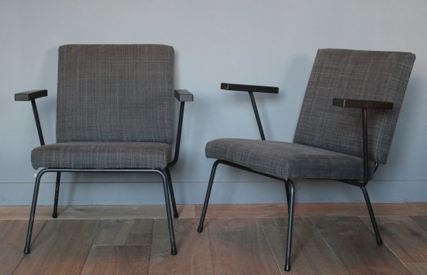 Pair of model 1407 arm chairs by Wim Rietveld for Gispen, 1950s
