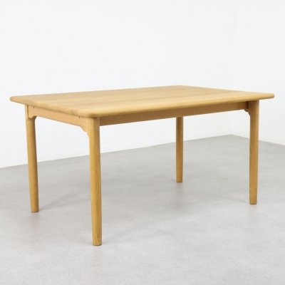 Solid oak dining table by Kurt Østervig for KP Møbler, DK 1960s