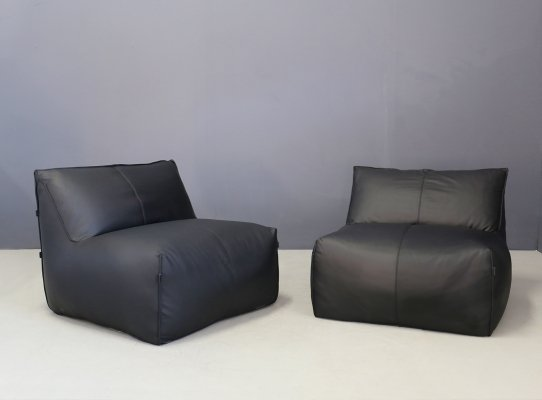 Pair of 'Le Bambole' armchairs in black leather by Mario Bellini for B&B Italia