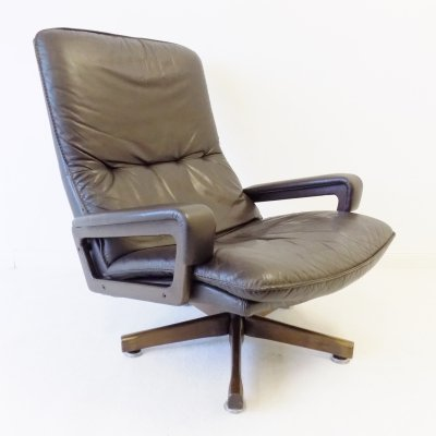 Strässle Highback King Chair by Andre Vandenbeuck made by WK Wohnen