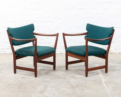 Pair of lounge chairs by Fredrik Kayser & Adolf Relling for Dokka Möbler, 1950s