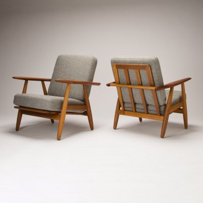Pair of Model GE-240 Cigar Chairs by Hans J Wegner for Getama, Denmark 1950s