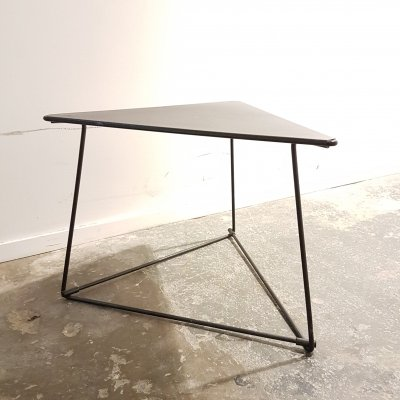 Modernist triangular 'Oti' side table by Niels Gammelgaard for Ikea, 1980s