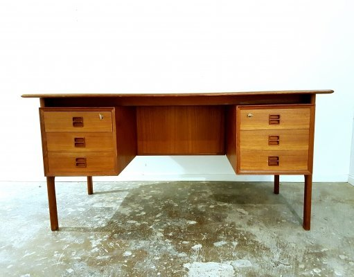 Arrne Vodder design teak Scandinavian Desk by Sibast, 1960s