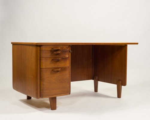 1950s Scandinavian Oak Desk by Gunnar Ericsson for Atvidabergs