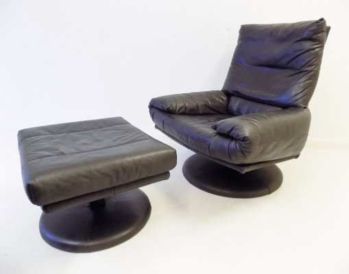 Rolf Benz black leather 'Forum' chair with ottoman