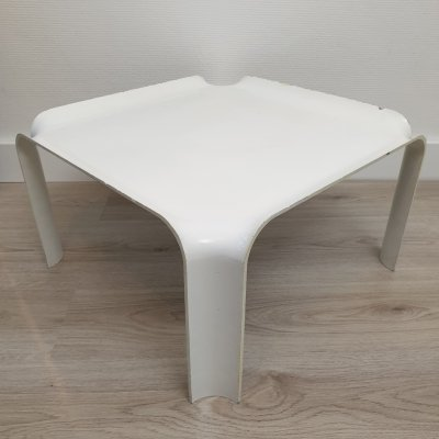 White lacquered resin side table 'model 877' by Pierre Paulin for Artifort