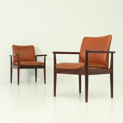 Pair of Diplomat Chairs in Rosewood by Finn Juhl