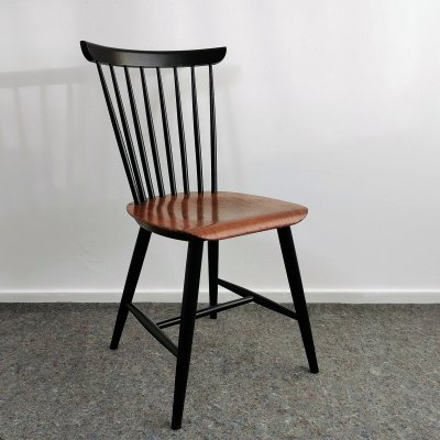 Mid-Century Modern Spindle Back Chair