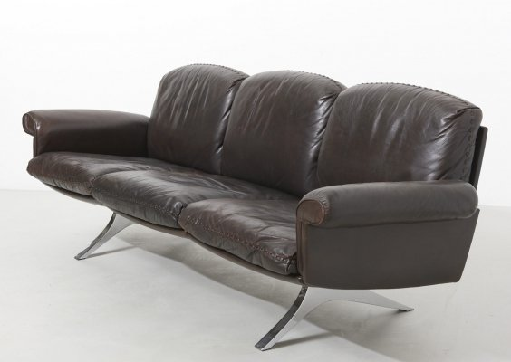 De Sede DS 31 three-seater sofa in dark brown leather, 1970s