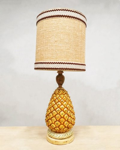 Vintage eclectic design Pineapple table lamp