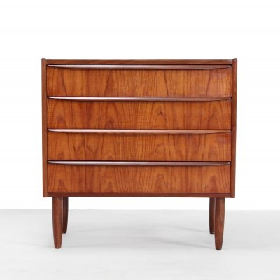 Teak Danish design chest of drawers with 4 drawers
