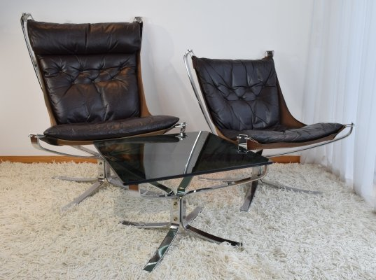 Sigurd Ressell 'Falcon' Easy Chairs with matching Coffee Table