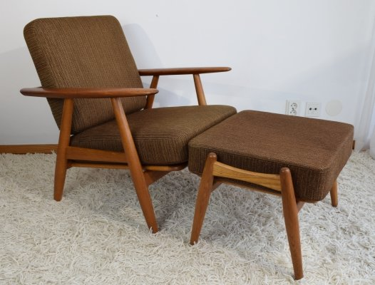 Hans Wegner GE240 'Cigar' Easy Chair & matching Ottoman