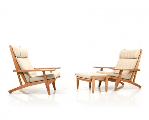 Pair of GE-375 Highback Lounge Chairs with Footstool by Hans Wegner