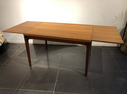 Extendable Dining Table by Henning Kjaernulf for Vejle Møbelfabrik, 1960s