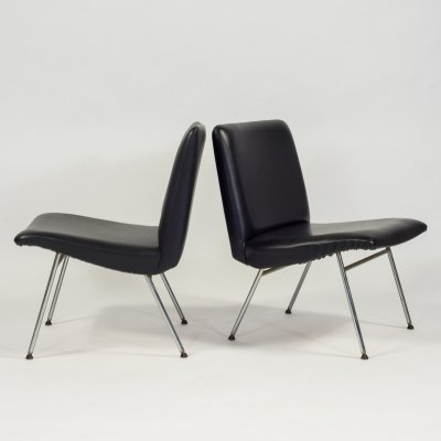 Set of two Danish design chairs in black vinyl, 1960's