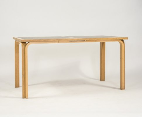 Table by Rud Thygesen & Johnny Sørensen for Magnus Olesen