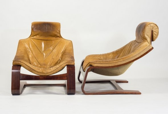Set of two Vintage Scandinavian design lounge armchairs in cognac leather