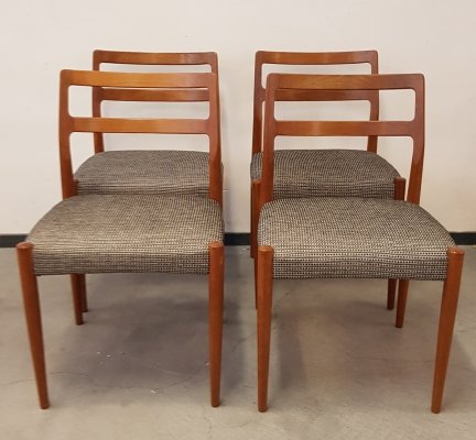 Set of 4 model Anne dining chairs by Johannes Andersen for Uldum Møbelfabrik