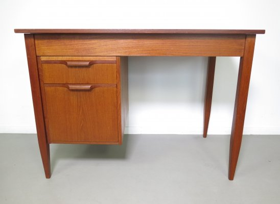 Teak desk by Moreddi Denmark, ca 1960