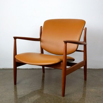 FD136 Teak & Leather Lounge Chair by Finn Juhl for France & Daverkosen