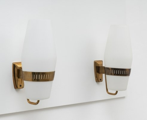 Pair of Model 2078 Large Brass Wall Lights by Stilnovo, 1959