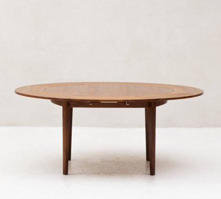 Flip-flap 'lotus' dining table by Dyrlund, Denmark 1960s