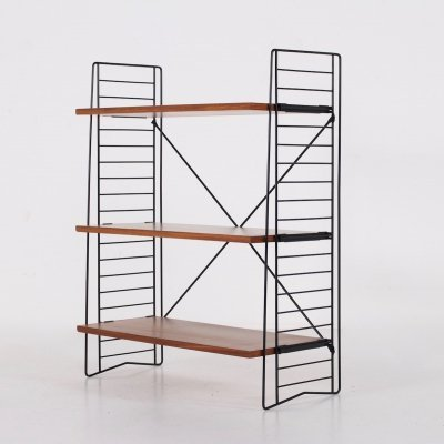 Tomado stand-alone deep wood shelf